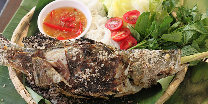 Salt Crusted Grilled Barramundi, Krua Walaiphan, Sai Ying Pun, Hong Kong