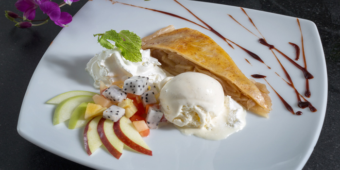 Warm Apple Pie from BYD Bar & Bistro in Patong, Phuket, Thailand