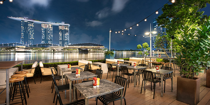 Alfresco Dining of OverEasy in Fullerton, Singapore