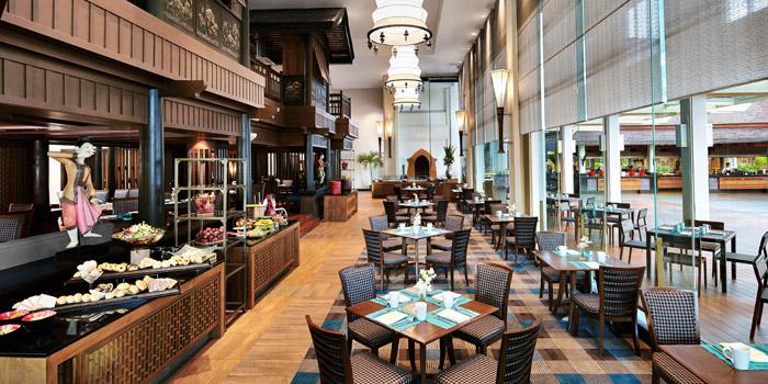 Ambience from Riverside Terrace at Anantara Riverside Bangkok Resort 257/1-2 Thonburi, Bangkok