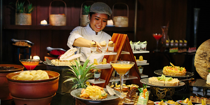 Dessert Station from Riverside Terrace at Anantara Riverside Bangkok Resort 257/1-2 Thonburi, Bangkok