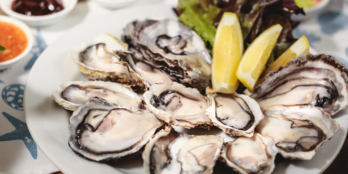 Fresh Oysters from Feast at Royal Orchid Sheraton Hotel & Towers, Bangkok