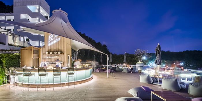 Restaurant-Ambiance of Hansha in Nai Harn, Phuket, Thailand.