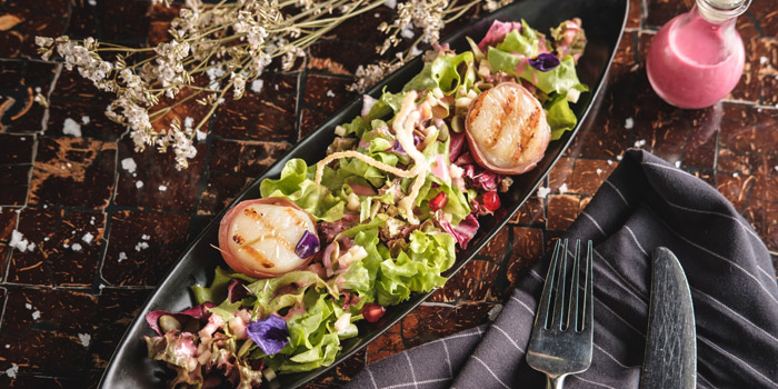 Summer-Salad-of-Grilled-Hokkaido-scallops from Riverside Grill at Royal Orchid Sheraton Hotel & Towers, Bangkok