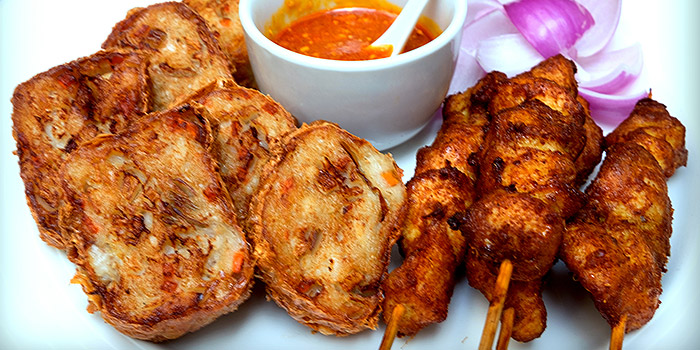 Ngoh Hiang & Chicken Satay from True Blue Cuisine at Armenian Street in City Hall, Singapore