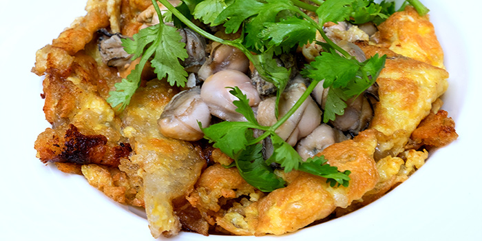 Oyster Omelette from True Blue Cuisine at Armenian Street in City Hall, Singapore