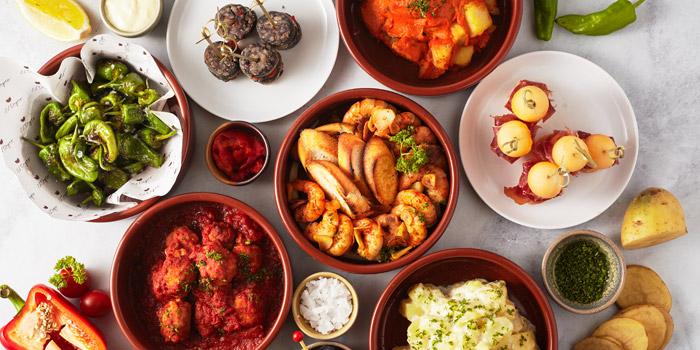 El Tapeo - Spanish Eatery & Wine Bar