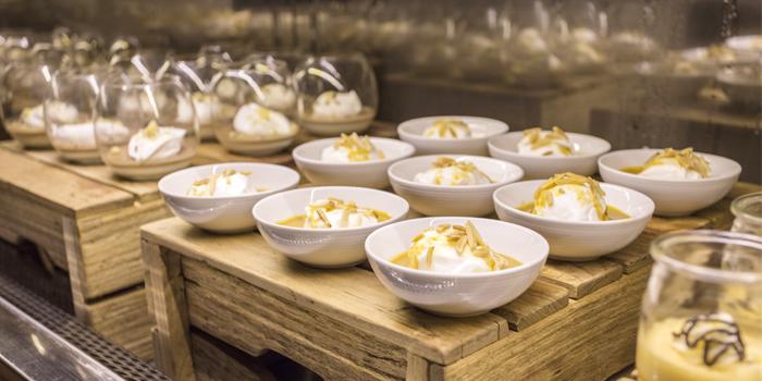 Dessert Station from Goji Kitchen & Bar at Marriott Marquis Queen