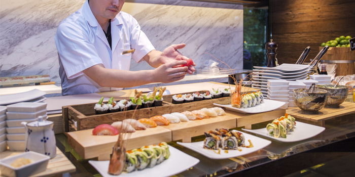 Sushi Station from Goji Kitchen & Bar at Marriott Marquis Queen