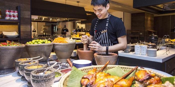 Thai Station from Goji Kitchen & Bar at Marriott Marquis Queen