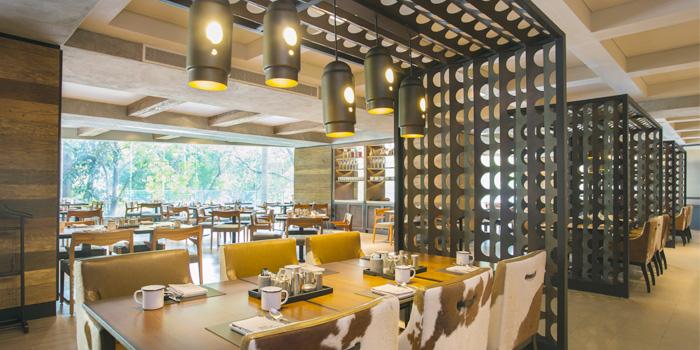 Dining Area of Goji Kitchen & Bar at Marriott Marquis Queen