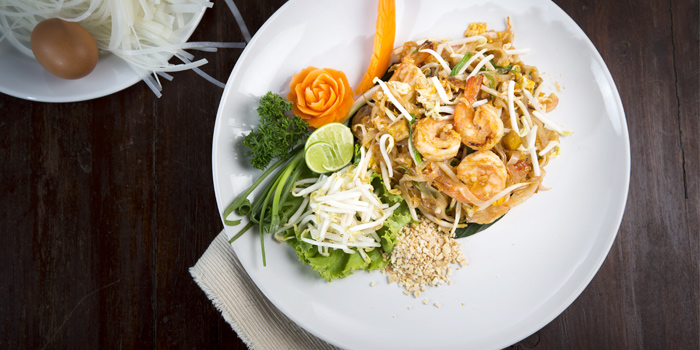 Shrimp Pad Thai from Bella Vista Oceanfront Terrace Restaurant in Karon, Phuket, Thailand