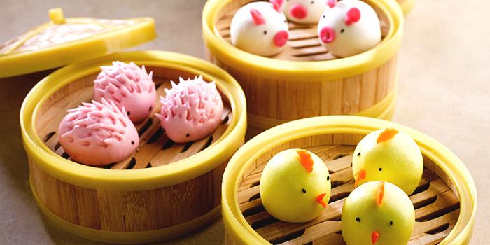 Assorted Lotus Paste Bun from Crystal Jade Hong Kong Kitchen (Suntec City) at Suntec City Mall in Promenade, Singapore