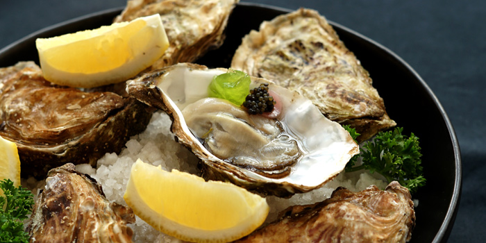 Fresh Oysters from Ceilo Sky Bar & Restaurant at W District Sukhumvit 69-71, Sukhumvit Rd Phra Khanong Nua Wattana, Bangkok