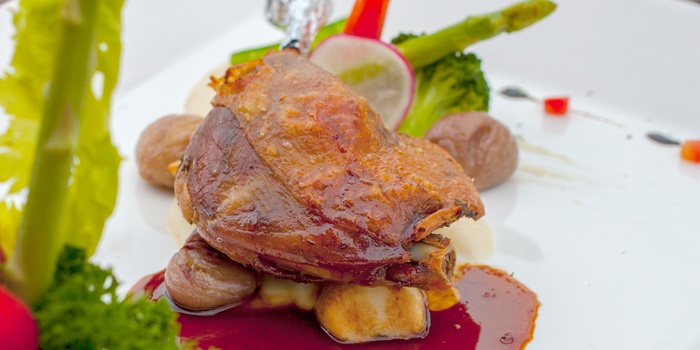 Roasted Duck from Ceilo Sky Bar & Restaurant at W District Sukhumvit 69-71, Sukhumvit Rd Phra Khanong Nua Wattana, Bangkok