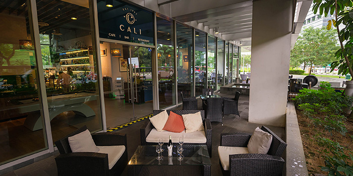 Outdoor Area of Cali, Park Avenue Rochester Hotel at Park Avenue Hotel in Rochester, Singapore