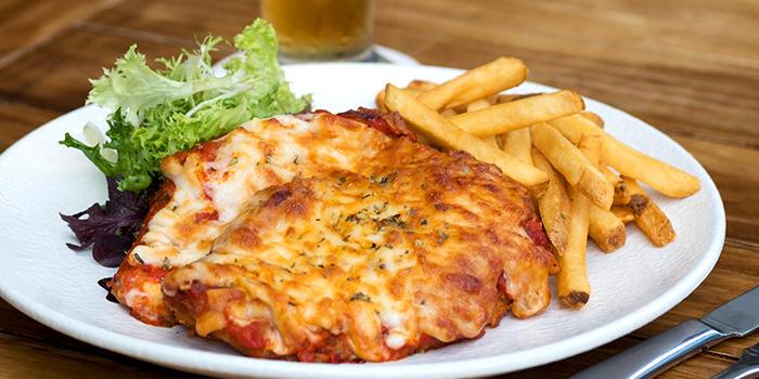 Chicken Parmigiana from Erwin