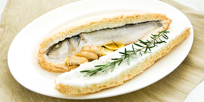 Salt Baked Sea Bass from Gattopardo Ristorante di Mare on Tras Street in Tanjong Pagar, Singapore