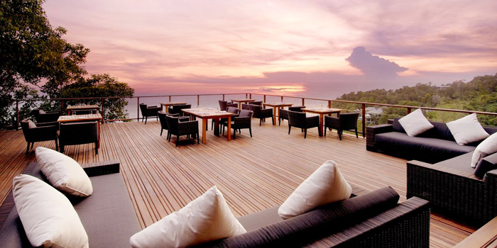 Sunset-Atmosphere of Paresa Dining in Kamala, Phuket, Thailand.