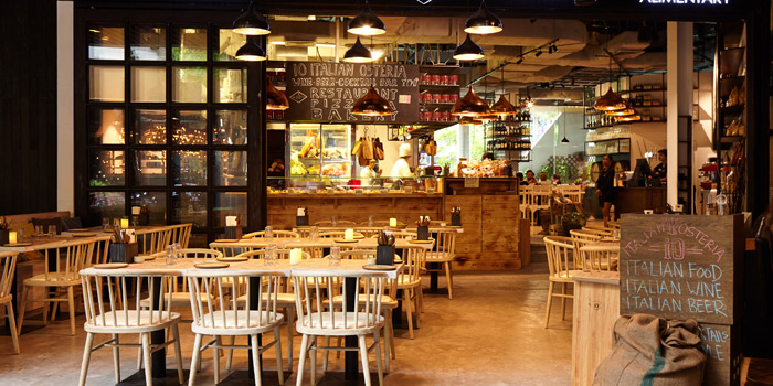 Ambience of iO Italian Osteria at Central World Groove Zone, Floor 1 Rama 1 Rd, Pathumwan Bangkok