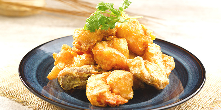 Crisp-fried Crystal Prawn with Salted Egg Yolk from Crystal Jade Kitchen (Great World City) at Great World City in River Valley, Singapore