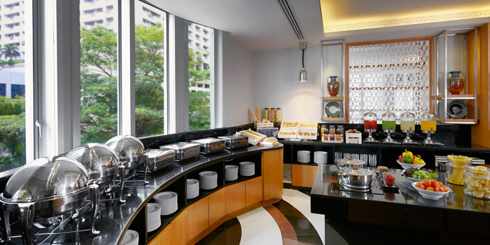 Buffet Station from Bistro M at Marriott Executive Apartments 60 Soi Langsuan, Lumpini Pathumwan, Bangkok