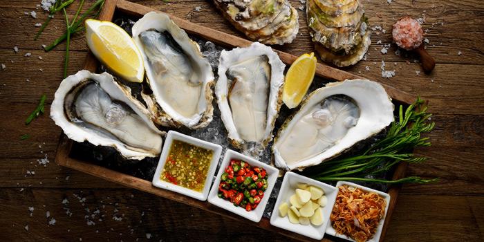 Fresh Oysters from TaLatChan by Baan Khanitha at FoodWalk zone, Level 1 Mega Bangna Shopping Mall Bangkok