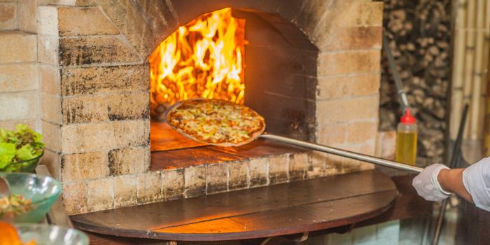 Pizza at TAKSU, Ubud