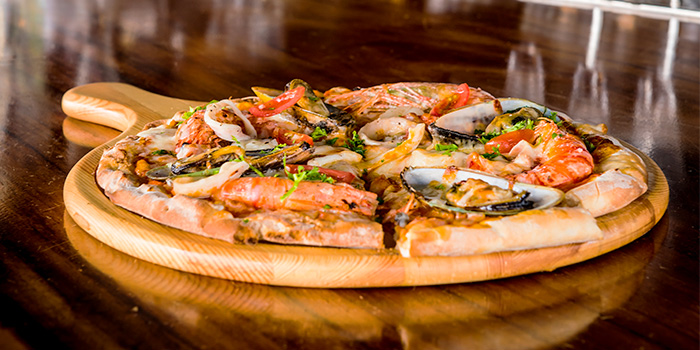Seafood Pizza from Propeller at The Bay Hotel in Harbourfront, Singapore