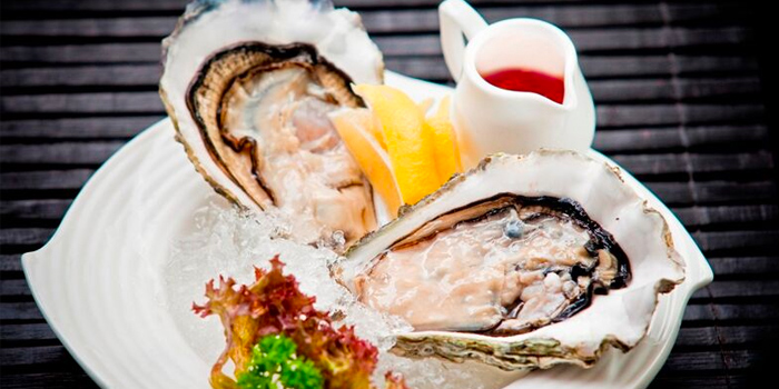 Canadian Giant Oysters from Quayside Seafood Restaurant in Clarke Quay, Singapore