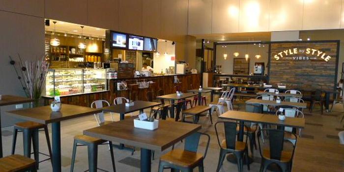 Interior of Vibes Cafe (Mediacorp Campus) in Buona Vista, Singapore