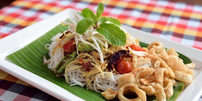 Somtum Der Khanom Jeen from Somtum Der at Soi Sukhumvit 55 Khlongton Nua, Watthana Bangkok