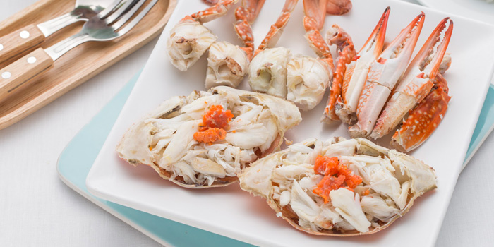 Steamed Whole Crab from Laem Charoen Seafood at Siam Paragon, 4 floor Unit 413-4, Rama 1 Rd Patumwan, Bangkok