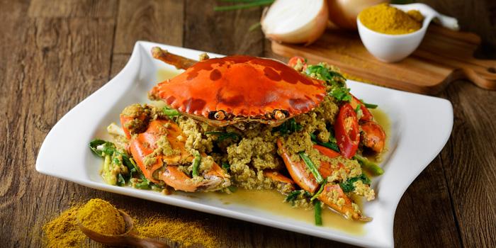 Stir Fried Crab with yellow curry from TaLatChan by Baan Khanitha at FoodWalk zone, Level 1 Mega Bangna Shopping Mall Bangkok