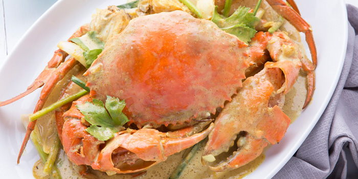 Stir-Fried Crab with Curry from Laem Charoen Seafood at Silom Complex Basement Unit B14 Silom, Bangrak Bangkok
