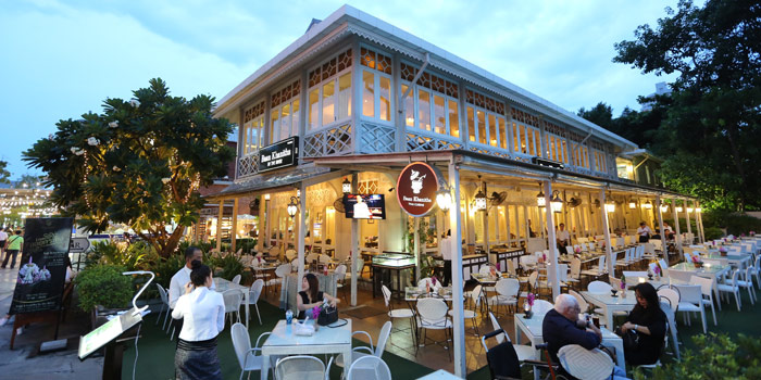 Ambience of Baan Khanitha by the Rive at Charoen Krung Rd Wat Phraya Kra, Bang Kho Laem Bangkok