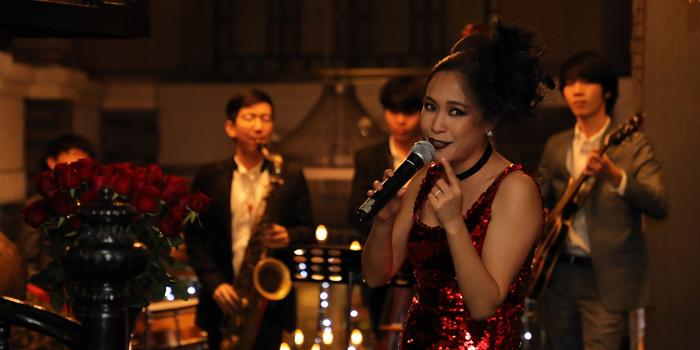 Entertainment of Red Rose Restaurant & Jazz Bar at Shanghai Mansion in Yaowaraj Road, Samphantawong, Bangkok
