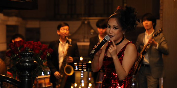 Entertainment of Red Rose Restaurant & Jazz Bar at Shanghai Mansion in Yaowaraj Road, Samphantawong, Bangkok