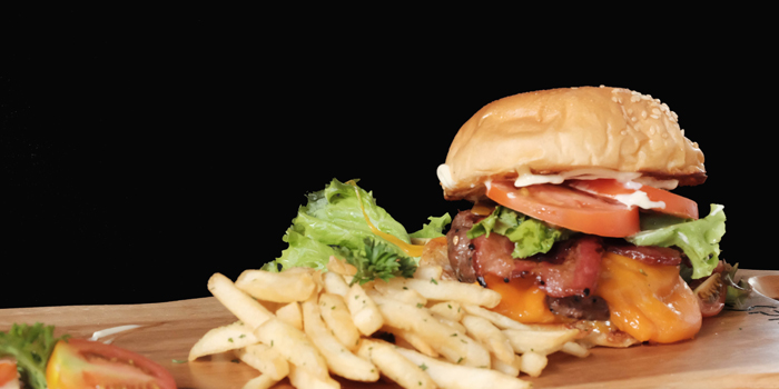 Giant Bacon Cheeseburger at SoulSpin, Jakarta