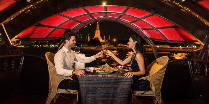 Ambience of Manohra Cruise at Anantara Riverside Bangkok Resort 257/1-3 Charoennakorn Road,Thonburi,Bangkok