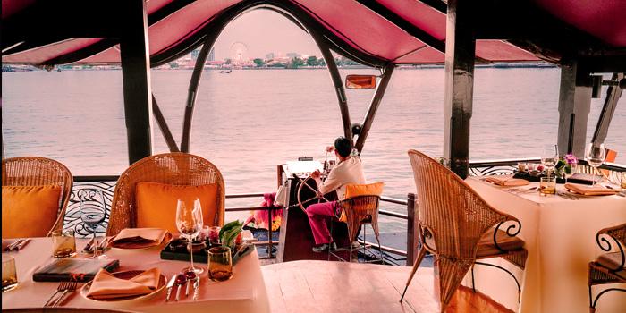 The River View from Manohra Cruise at Anantara Riverside Bangkok Resort 257/1-3 Charoennakorn Road,Thonburi,Bangkok