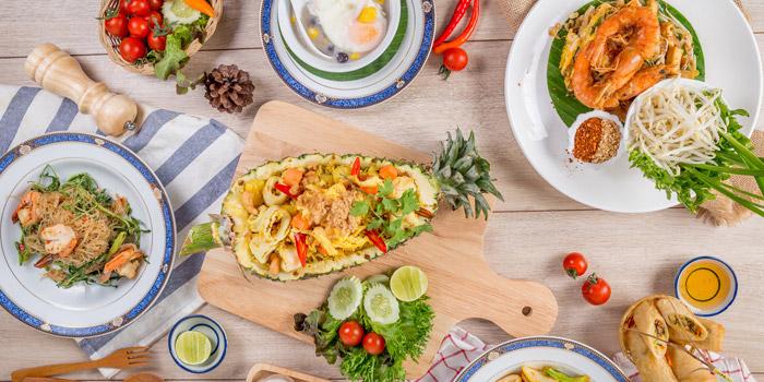 Mixed Dishes from Yung Siam Thai Cuisine at 153 Soi Lumpoo Wat Sampraya, Pranakorn Bangkok