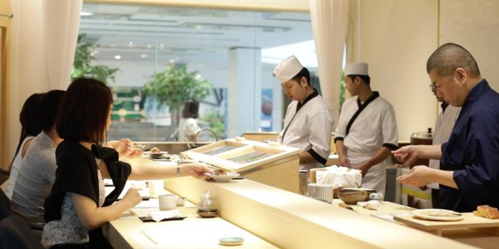 Hamachi Sushi of Sushi Cyu at CENTRAL WORLD 3rd Floor, Atrium Zone 999/9 Rama 1 Road Patumwan, Bangkok