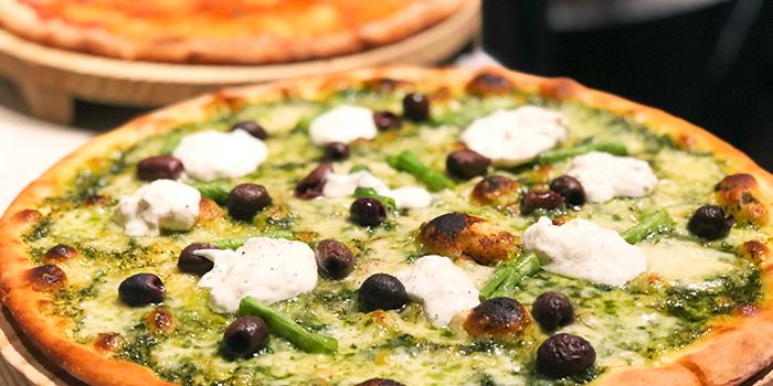Pizza Genovese from Ricciotti (Riverwalk) in Clarke Quay, Singapore