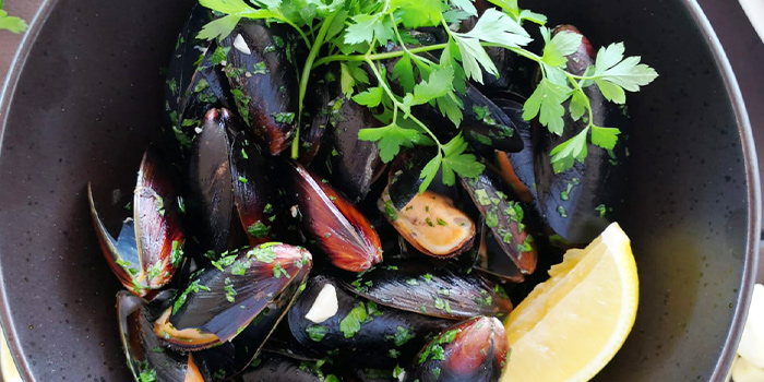 Sautéed Mussels from La Pizzeria at Bridge and Beacon Bar at the Republic of Singapore Yacht Club in West Coast, Singapore