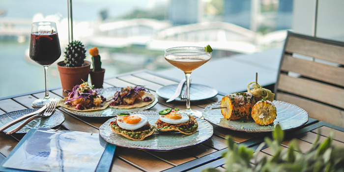 Outdoor Dining of Lower East Side 45 at Singapore Land Tower in Raffles Place, Singapore