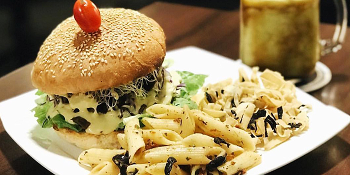 Pulled Jackfruit Burger from Well Dressed Salad Bar & Cafe in Chinatown, Singapore