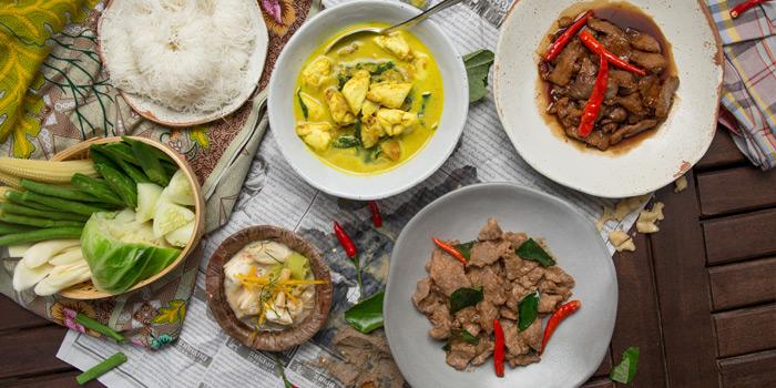 Selection Thai Food from Khua Kling Pak Sod at Sukhumvit 53 Alley, Thonglor, Watthana, Bangkok