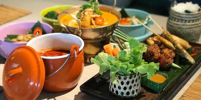 Set Menu from Burasari at Kantok Restaurant in Patong, Phuket, Thailand.