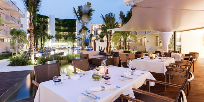 at-night-atmosphere of Trilogy Restaurant in Cherngtalay, Phuket, Thailand